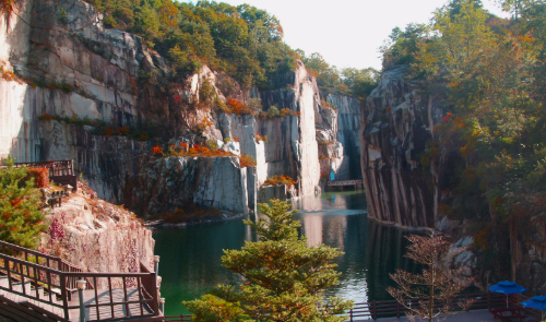(Autumn) Pocheon Art Valley + Mini Apples Picking + Pyunggang Land (EG Tour Bus H Course)